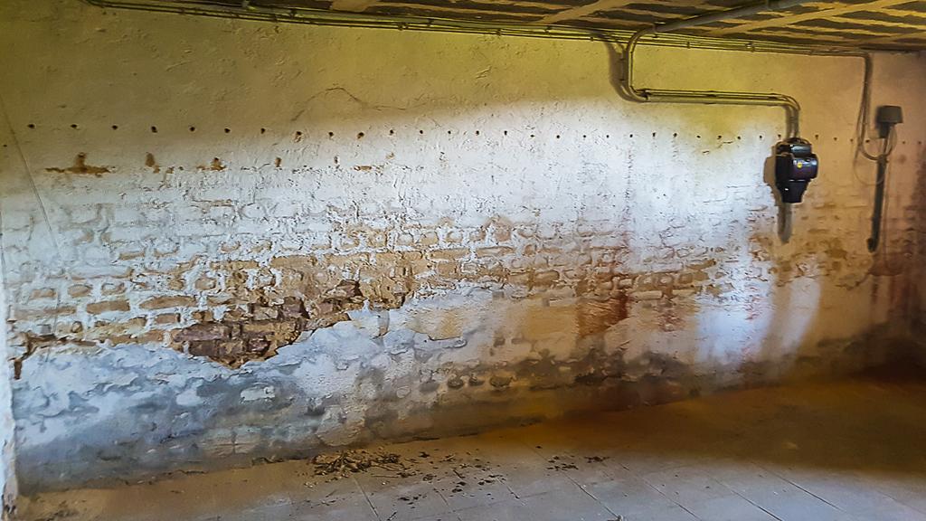 Feuchtigkeit Im Mauerwerk Beseitigen : birro bautenschutz e k schimmelentfernung ~ Watch28wear.com Haus und Dekorationen